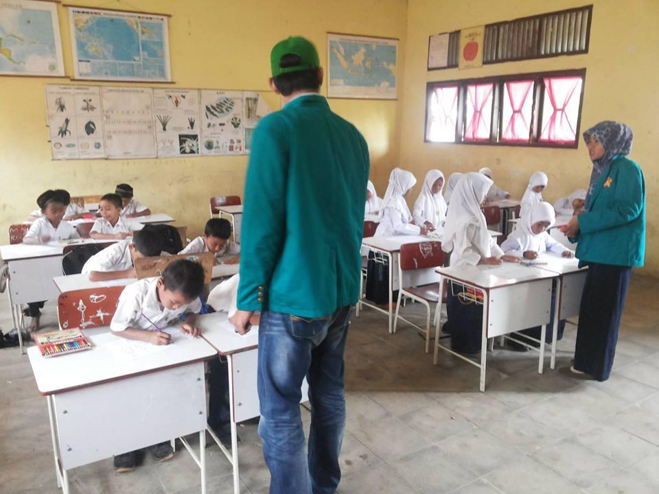 Pelatihan Mewarnai Anak Sd Kelompok 205 Kkn Unsyiah Januari 2015